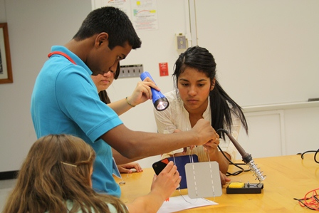 Students working in a circuits  lab